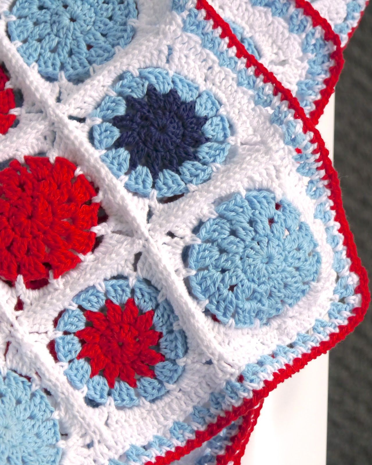 Crochet Cotton Baby Blanket (circle in square pattern) #DIY
