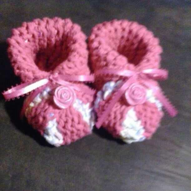 Loom Knit- Girl Baby Booties   Stuff I\'ve Made   Pinterest