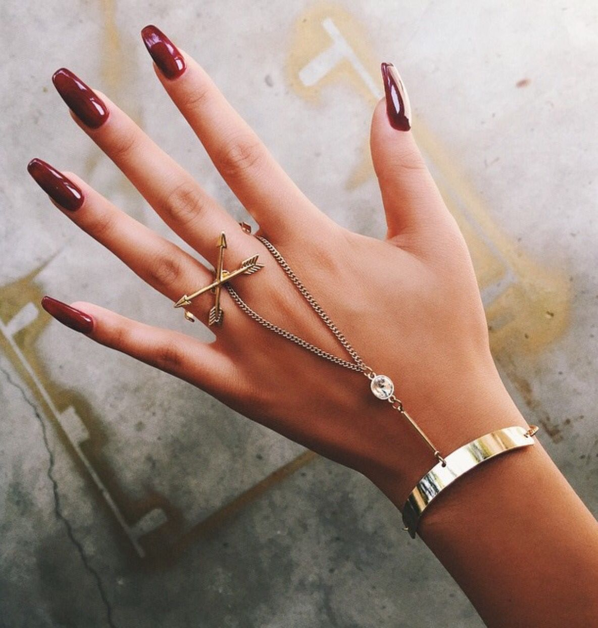 Pin by AyeeitsJaylah 🥀 on ΣXTRΔS | Pinterest | Nuggwifee, Red nails ...