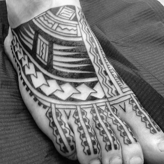 40 Tribal Foot Tattoos Fur Manner Manly Design Ideen Tattoo