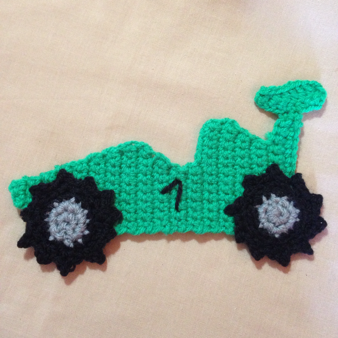 Crochet a Cute Race Car Applique | appliques | Pinterest | Crochet ...