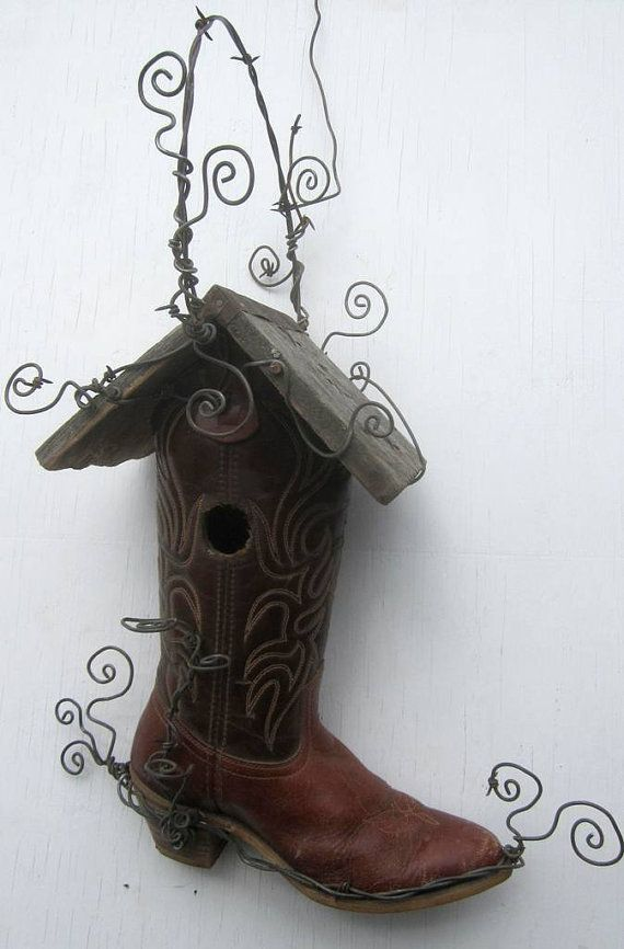 Boot Birdhouse, i don't know why i adore this so much so.