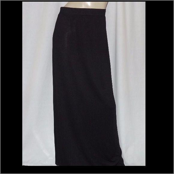 Black Maxi Skirt Plus Size 3X Pull On Waist 155 Rear Center Hem Split