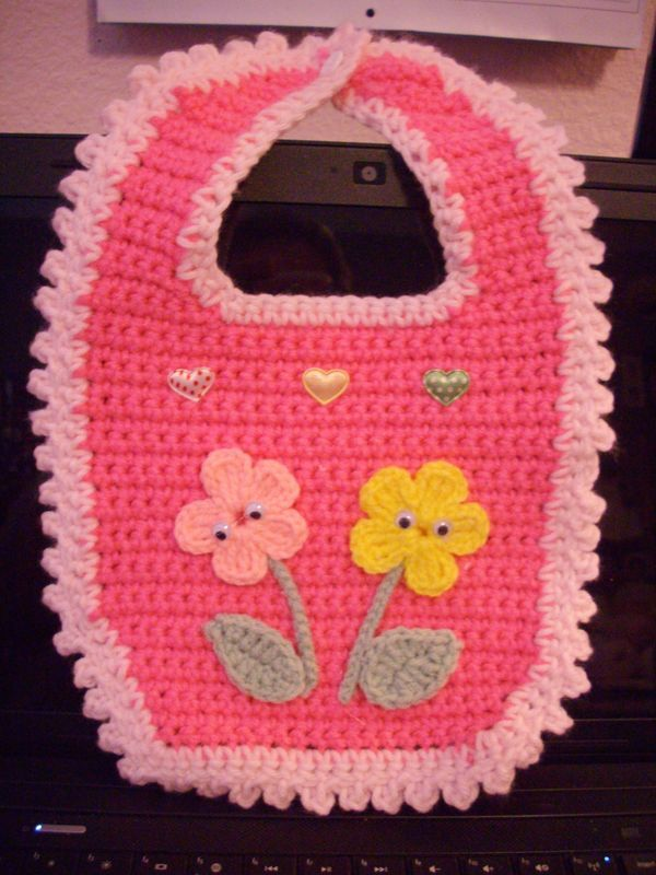 Here is the pattern for the bibs | Crochet | Pinterest | Blumen ...
