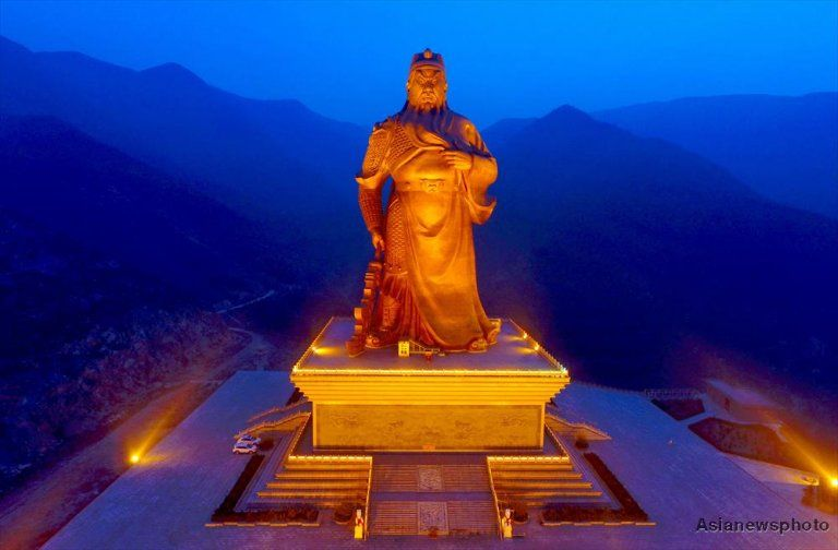 China Photo Of The Day Statue Of Loyalty Guan Yu And City - China unveils colossal 1320 ton god of war statue