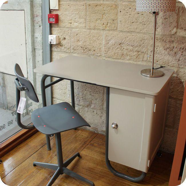 Bureau Vintage Fabuleuse Factory En Vente Sur Www Fabuleuse Factory Com Meuble Bureau En Bois Et Metal Meuble Palette