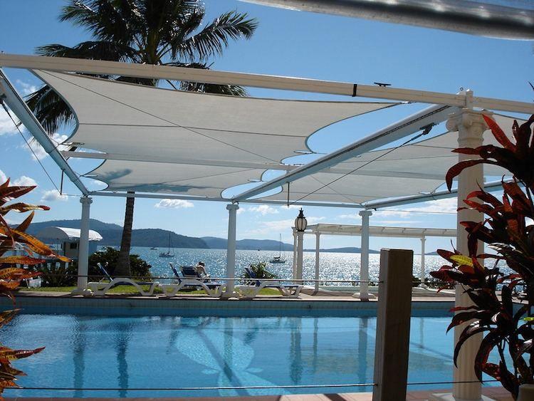 Protection solaire 55 idées pour la terrasse extérieur - toile tendue pour terrasse