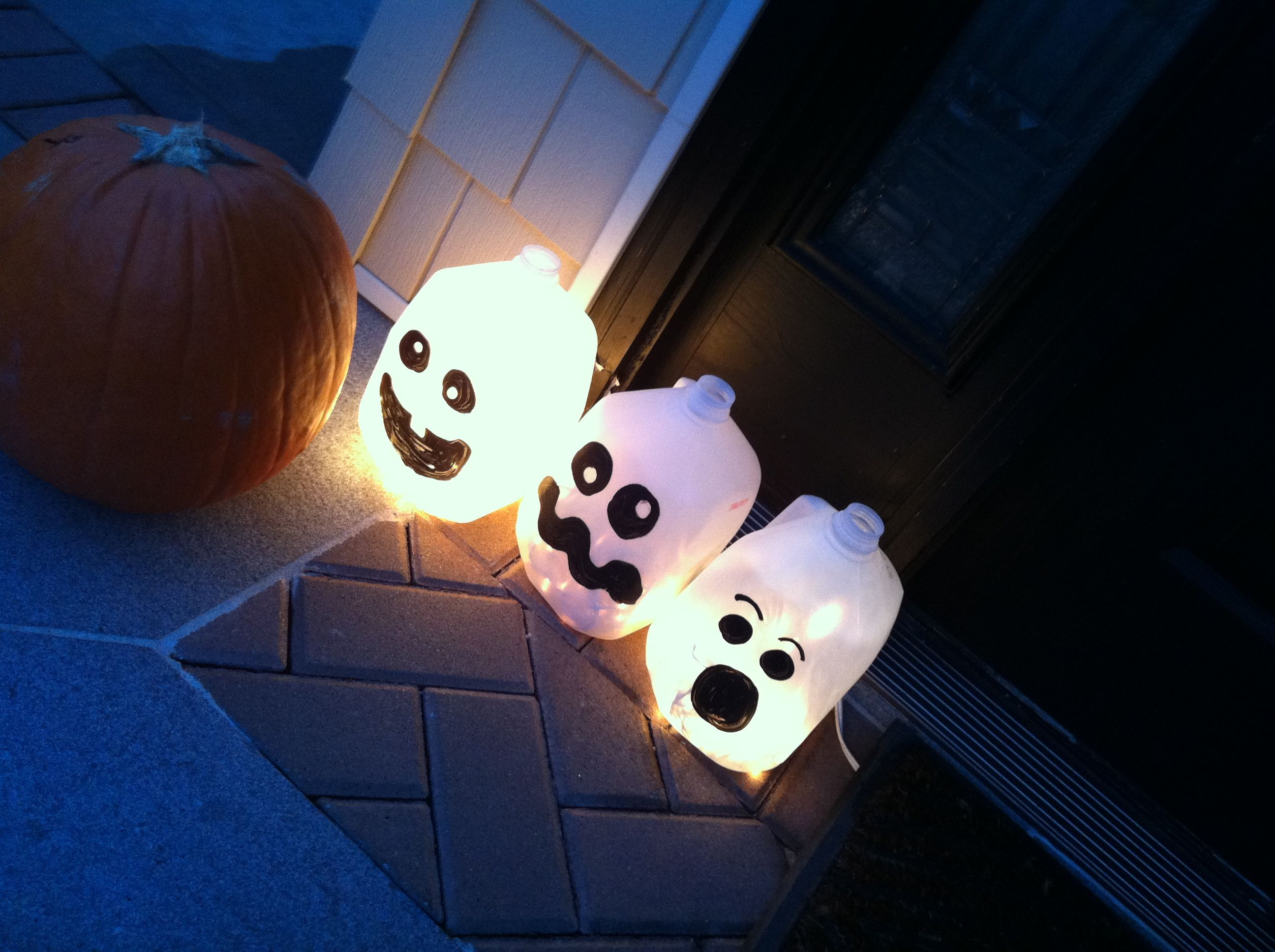 Light up ghosts! BOO