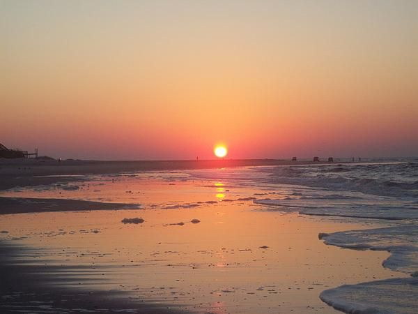 Emerald Isle North Carolina My favorite beach in NC....a little piece of heaven.