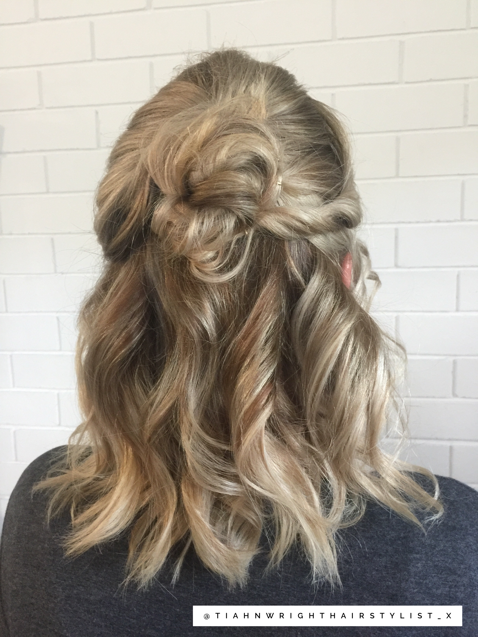 Cute half up half down hairstyle top knot with curls perfect for a wedding or …   Hair styles ...