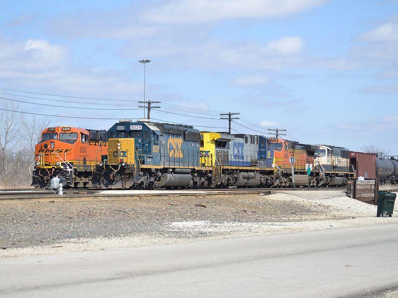 Parking lot | Railroads - BNSF - Burlington Northern and