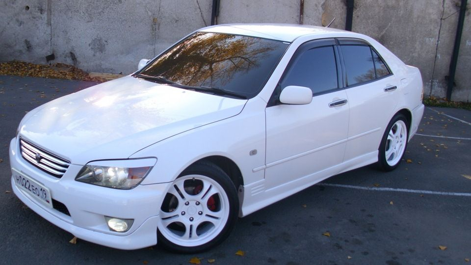 White Toyota Altezza