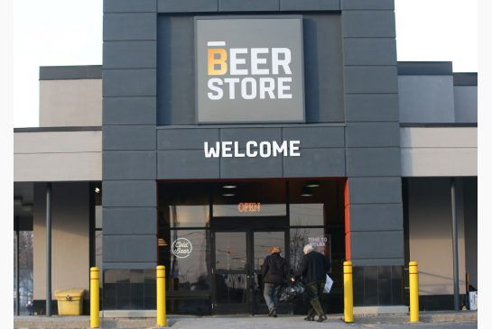 How The Beer Store lobby wins friends and influences politicians: Cohn The privately-owned Beer Store is a case study in high-powered lobbying in Ontario, the Wild West of political fundraising.