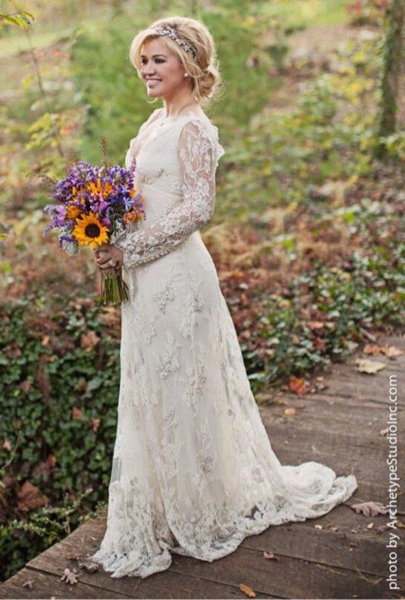 10 Celebrity Wedding Dresses Perfect For A Rustic Wedding | Rustic