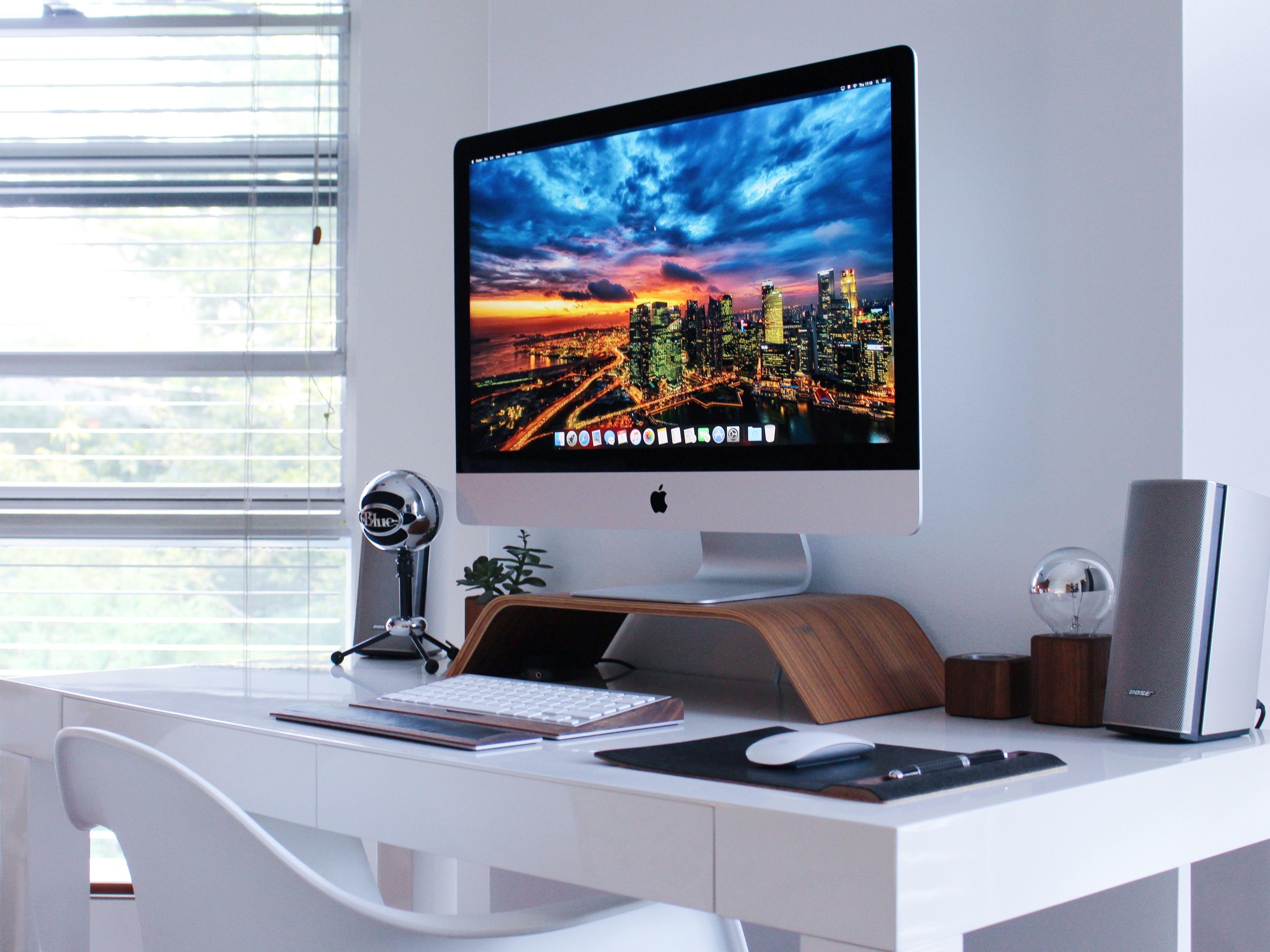 Desk setup k imac imac in desk setup