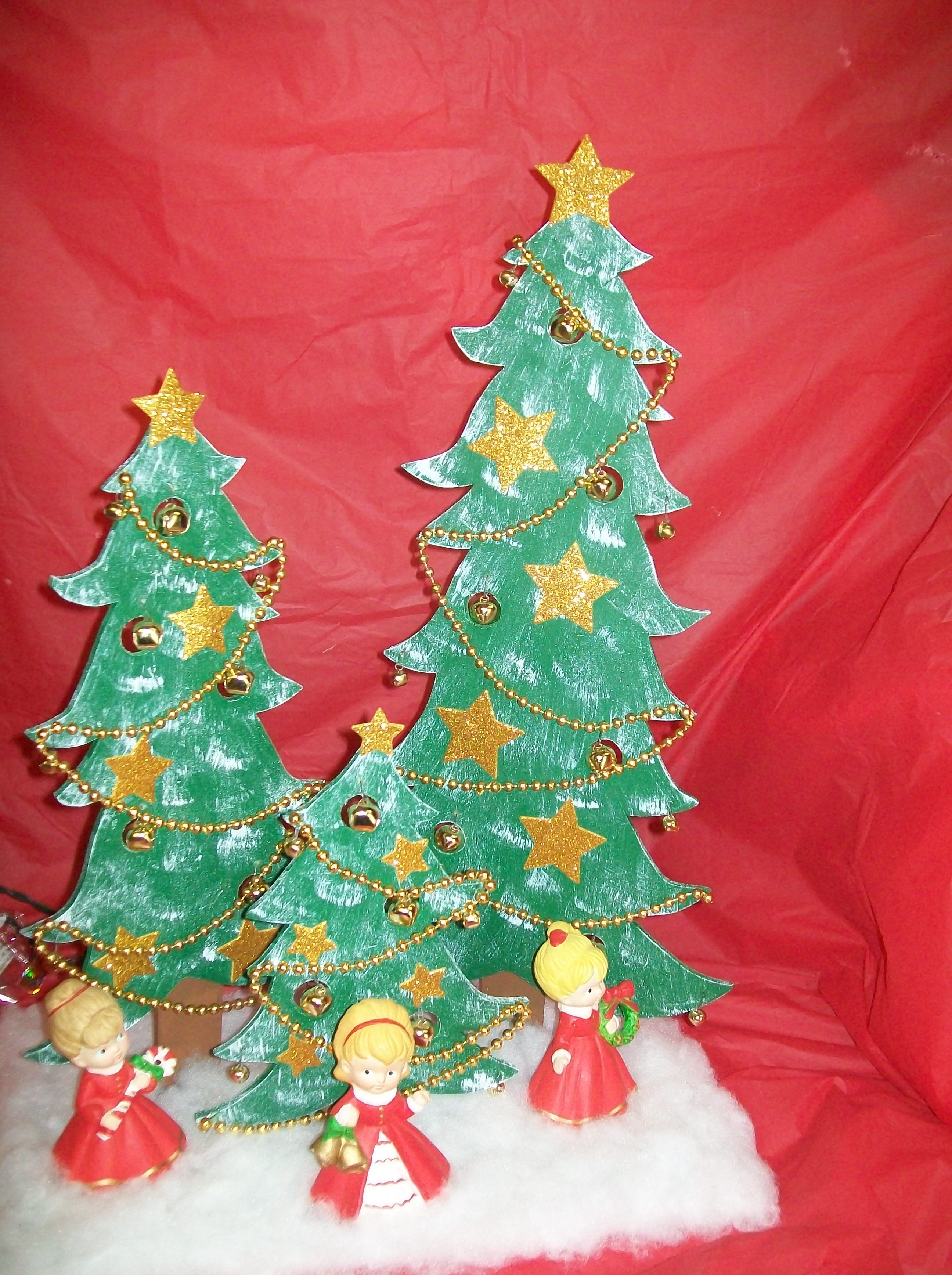 Christmas scenescroll saw work holiday trees pinterest scroll