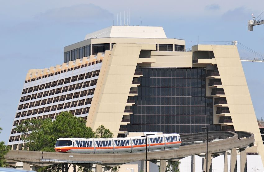 Walt Disney World Monorail at the Contemporary Hotel | Disney ...