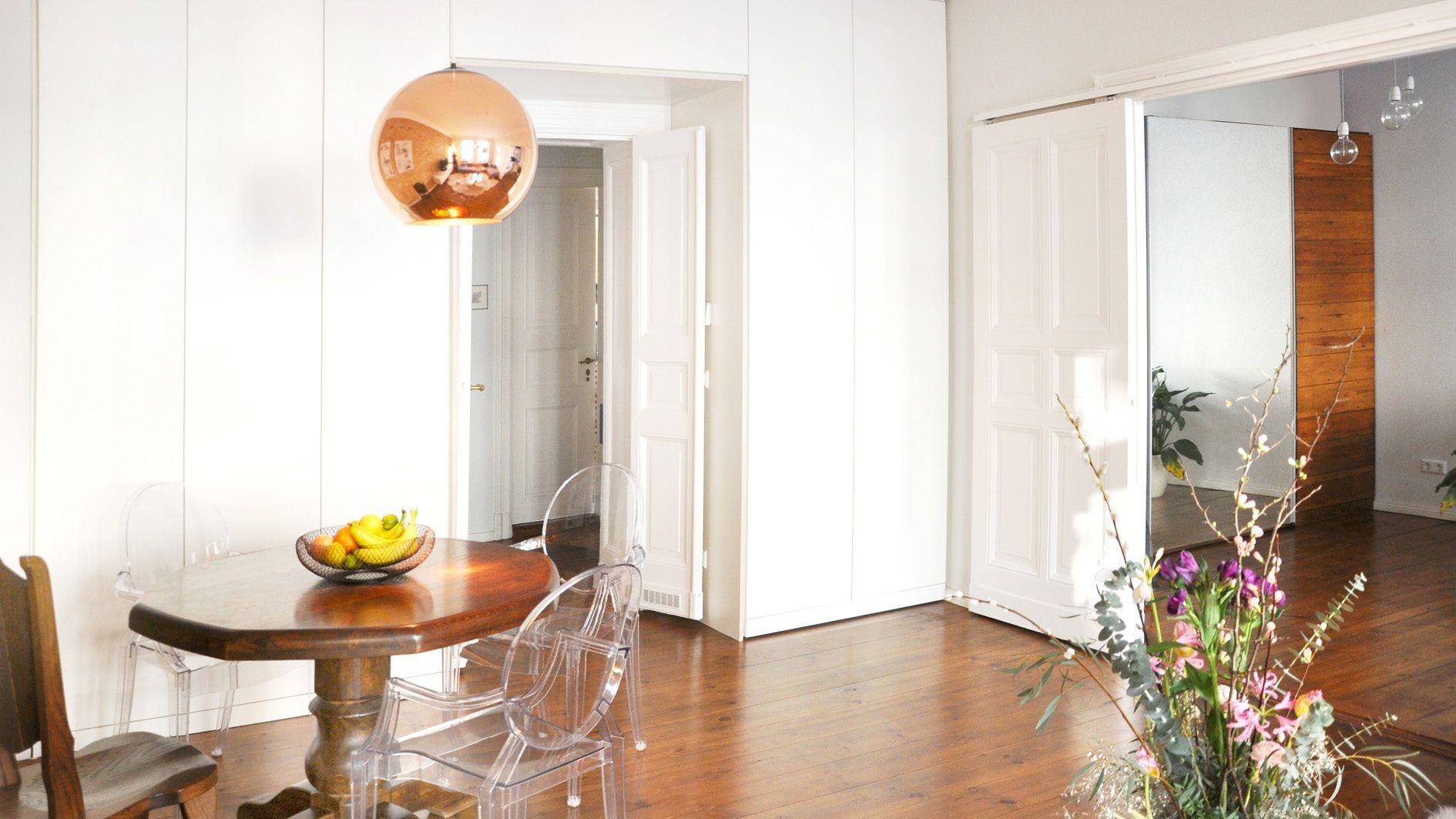Einfaches hausdesign hd gold warmlight cozyliving altbau berlin tomdixon boconcept
