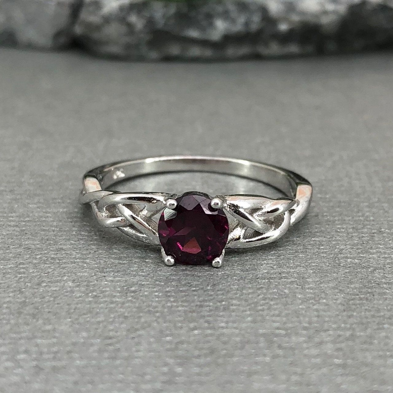 Solid Sterling Silver Natural Garnet Solitaire Ladies Band Ring