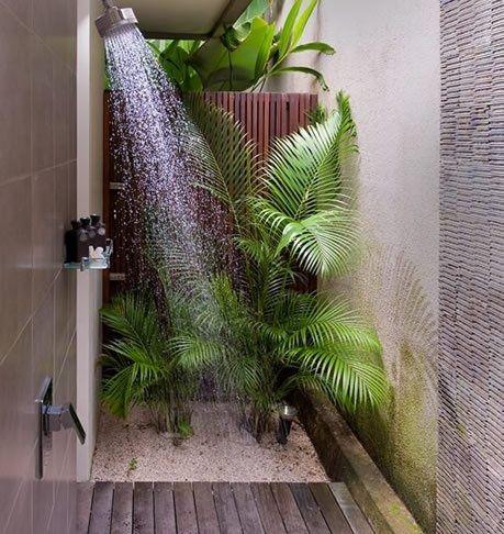 et si on d corait la salle de bain avec des plantes beautiful garden. Black Bedroom Furniture Sets. Home Design Ideas