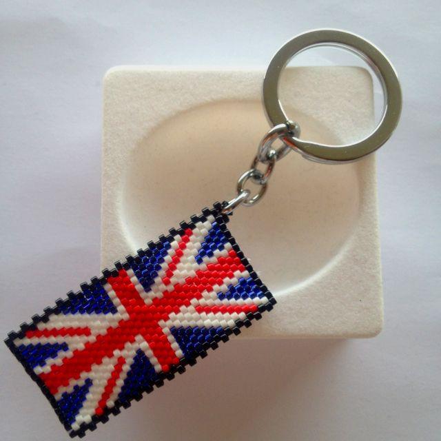 """Portachiavi realizzato con la tecnica peyote """" bandiera Inghilterra"""""""