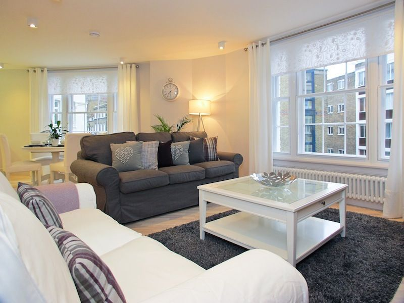 2 09 Upper St Martin S Lane 2 Bedroom 2 Bath This Is One Of The Finest Flats We Have Ever Offered The Luxurious Bedrooms Contemporary Bedroom Bedroom Design