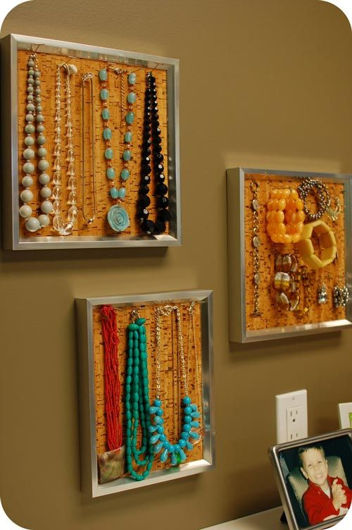 Como organizar la bisuteria   Jewellery display, Diy frame and Cork