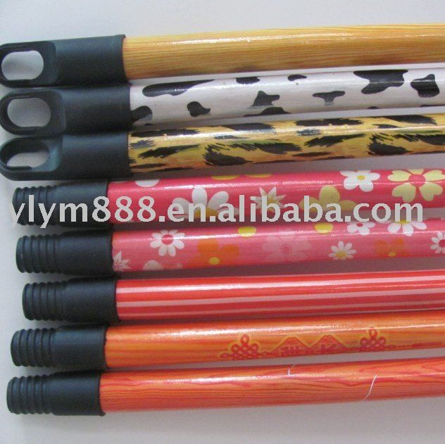 pvc coated wooden broom handle with plastic thread $0.11~$0.118