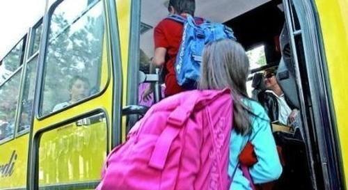 #Lazio: #Roma entra nell'autobus della gita e ruba zaini degli studenti: arrestato da  (link: http://ift.tt/1YQd6MQ )