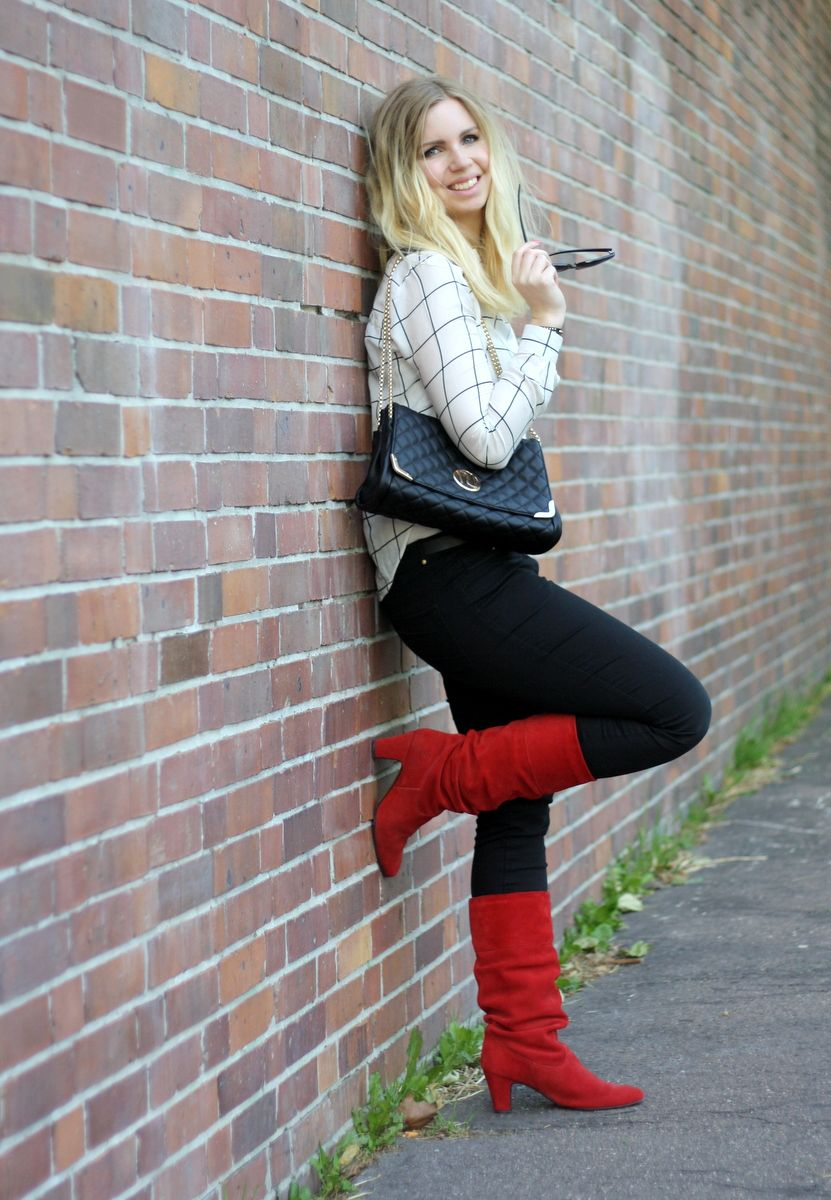 Black-white Shirt and red boots