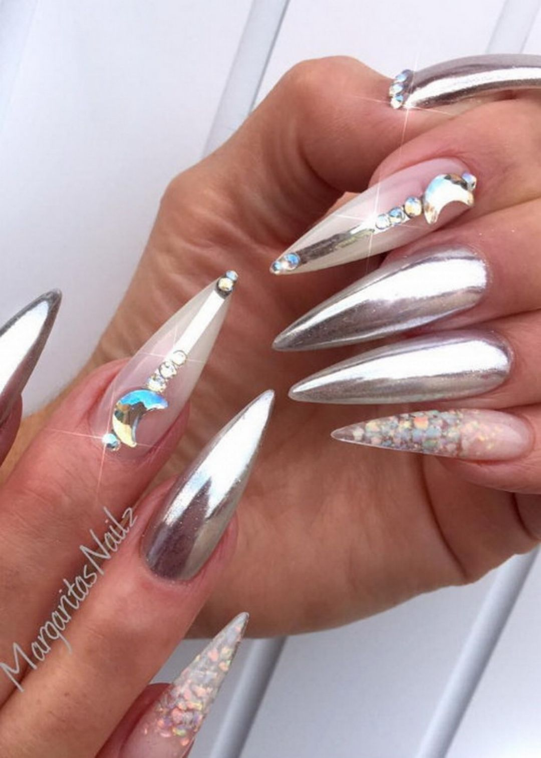 💅🏻 33 Trend-Setting Nail Art Designs by @margaritasnailz