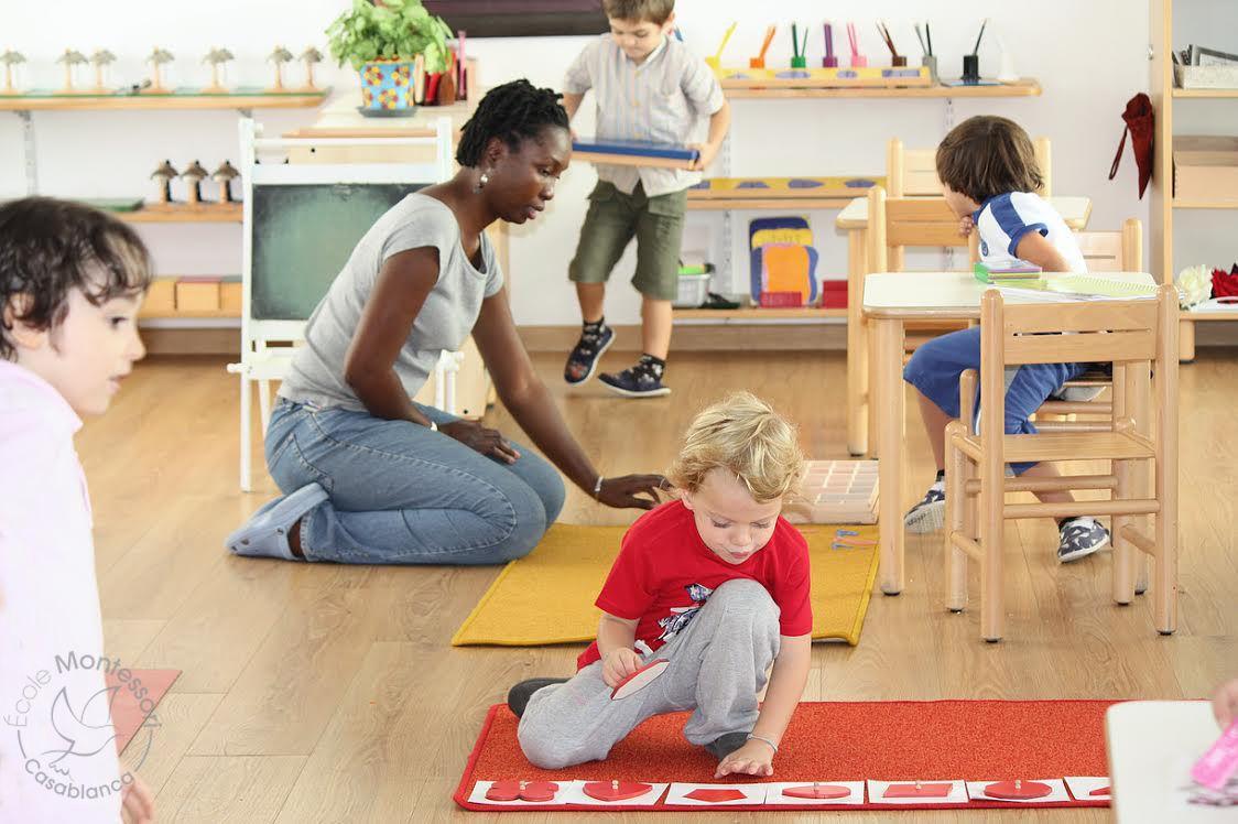 Arredamento Montessori ~ Arredamento montessori materiale montessori montessori