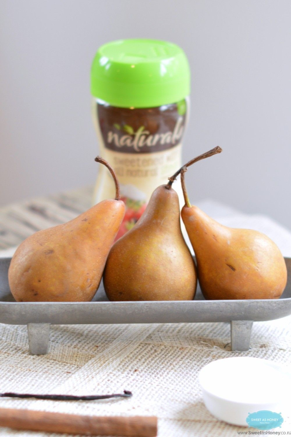 How to poach Pears without sugar? by www.sweetashoney.co