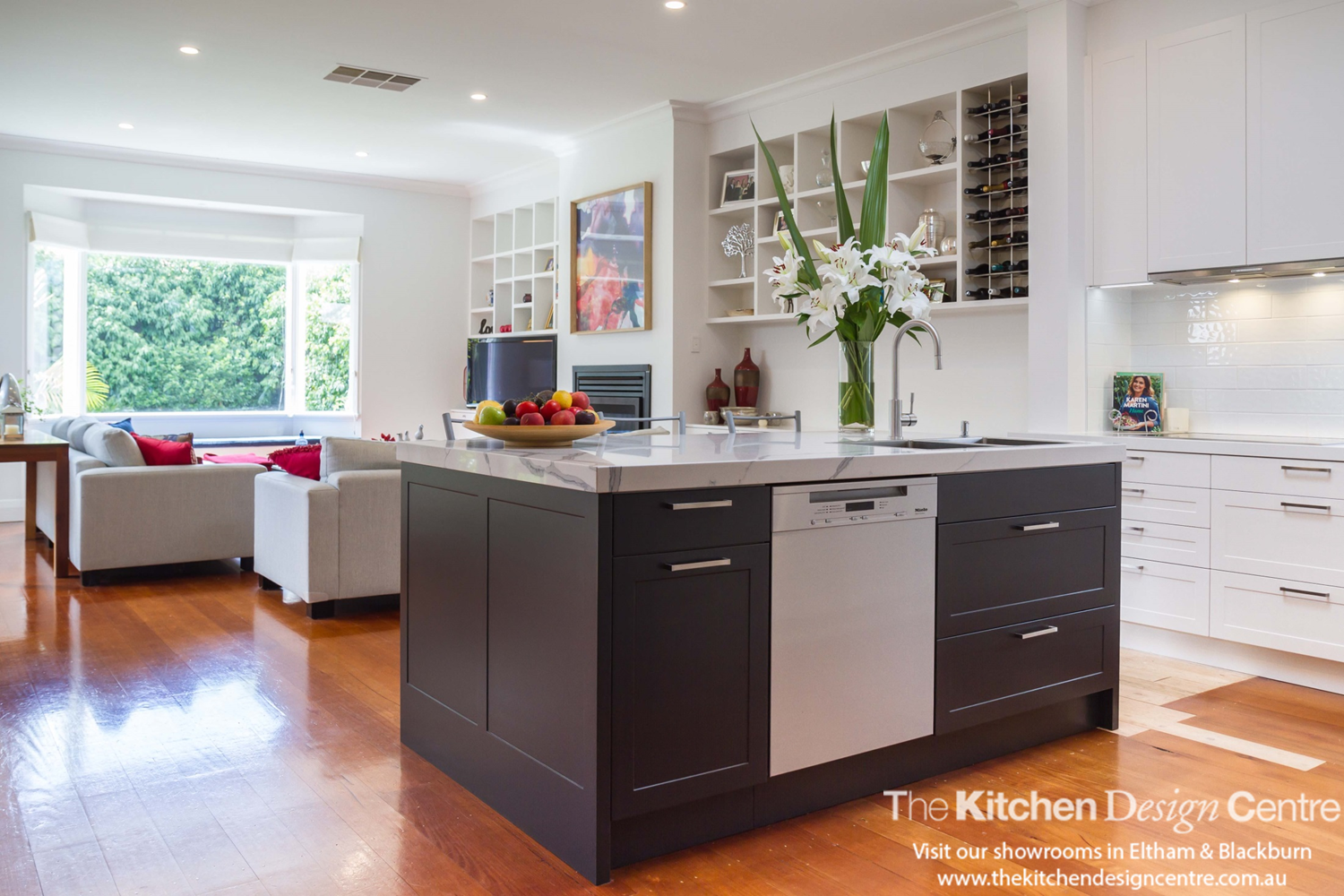 A Simple Yet Classy Take On The Modern Traditional Kitchen Style. Dulux  Natural White Teamed