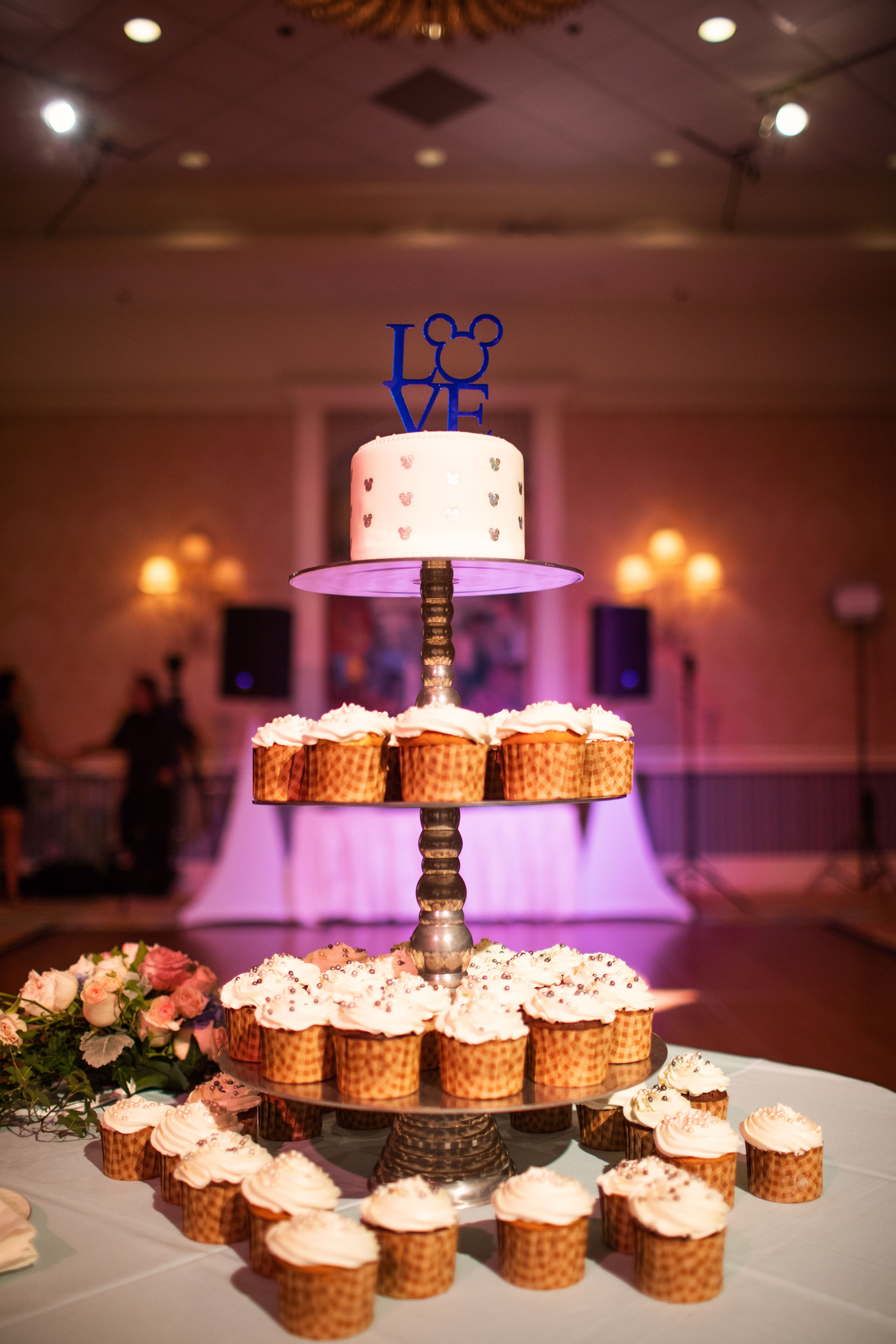 Wishes Wedding Spotlight Whitney & Jeremy Wedding cake