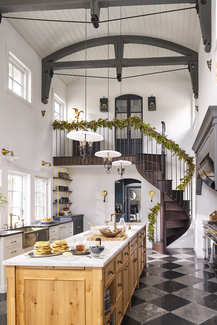 Mix And Chic Inside A Rustic Vermont Farmhouse During The Holidays