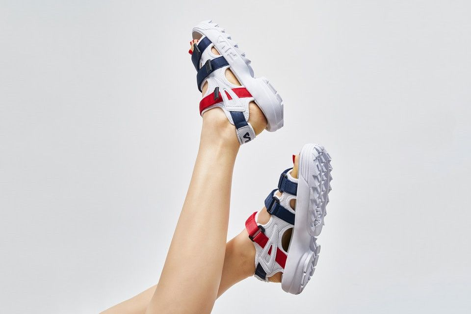 Fila disruptor ii 2 white sandals with red blue line fs1htz3081x