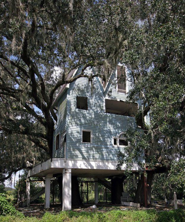 Brooksville Victorian Treehouse