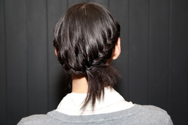 Braised side pony: hairstyles for in between lengths, or even for the long hair