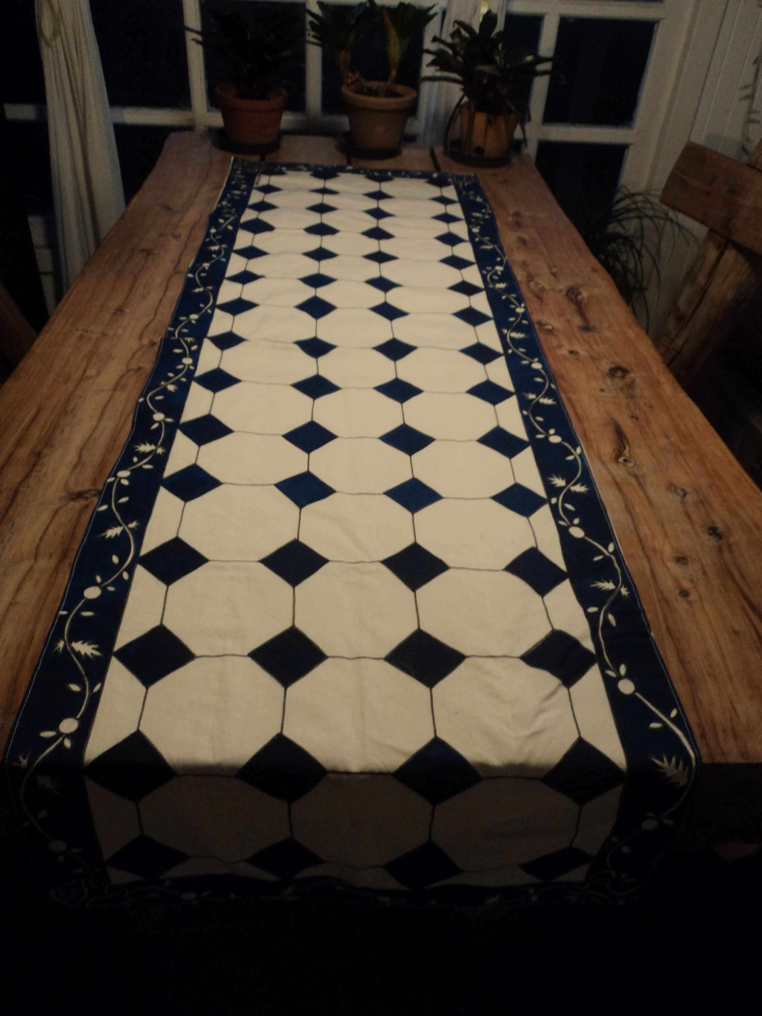 Caminho de mesa azulejo hidr ulico clientes pinterest - Mesas de azulejos ...