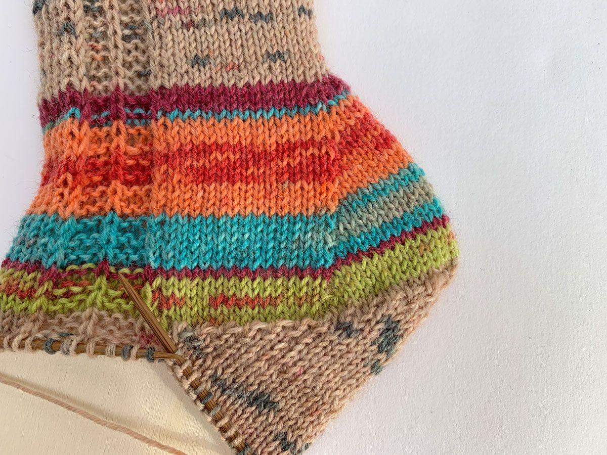 Photo of Socken mit Zunahmeferse stricken