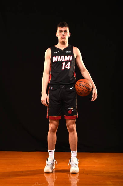 Official The Miami Heat Have Signed Tyler Herro Nbacats Bbn Tyler Herro Signs Deal With Miami Heat Worth Reported Nba Miami Heat Miami Heat Detroit Pistons