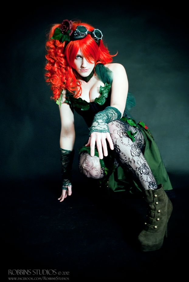 how to make poison ivy eye costume