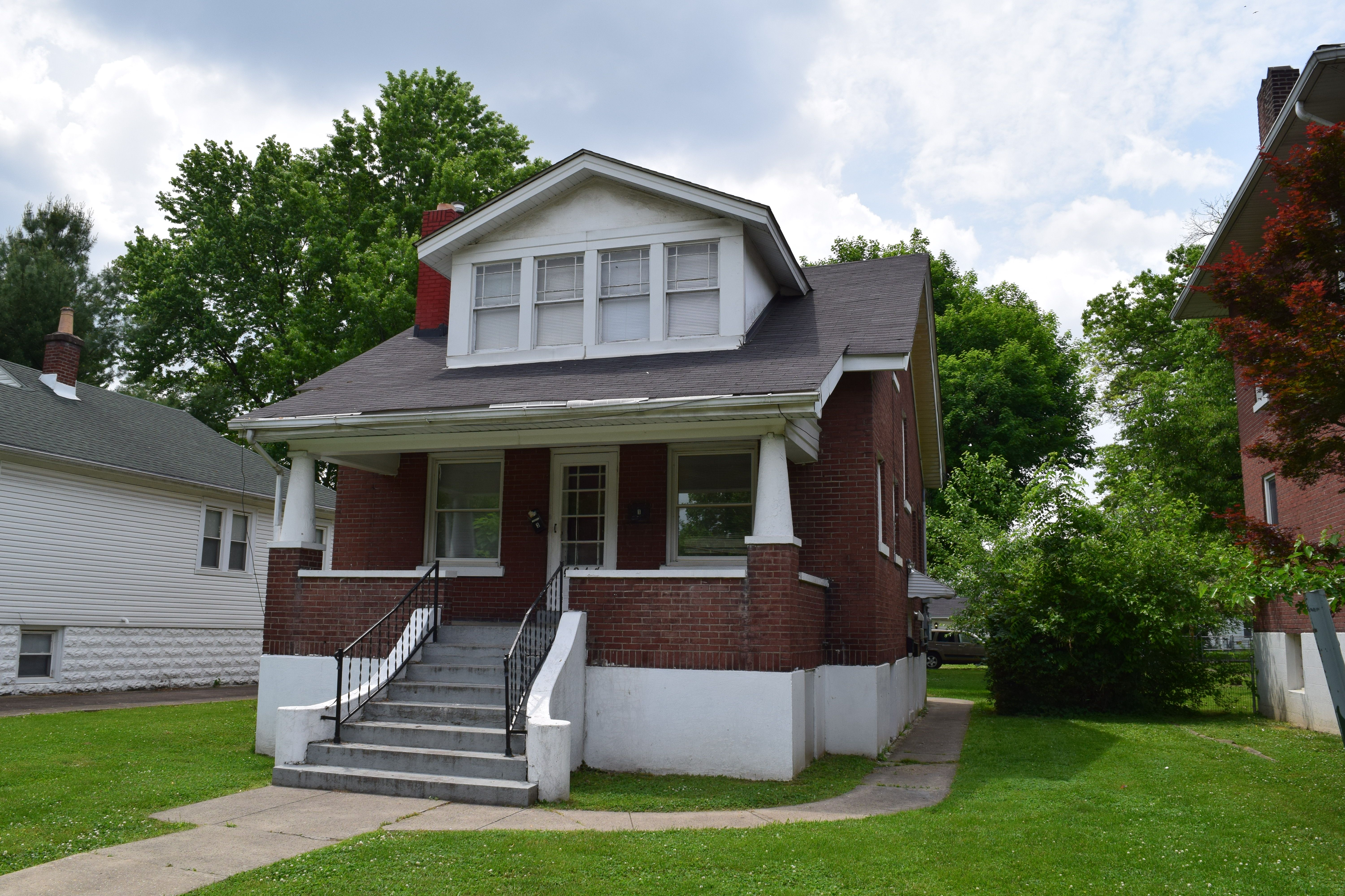 NEW LISTING! 4214 Southern Parkway Louisville Ky 40214. 4