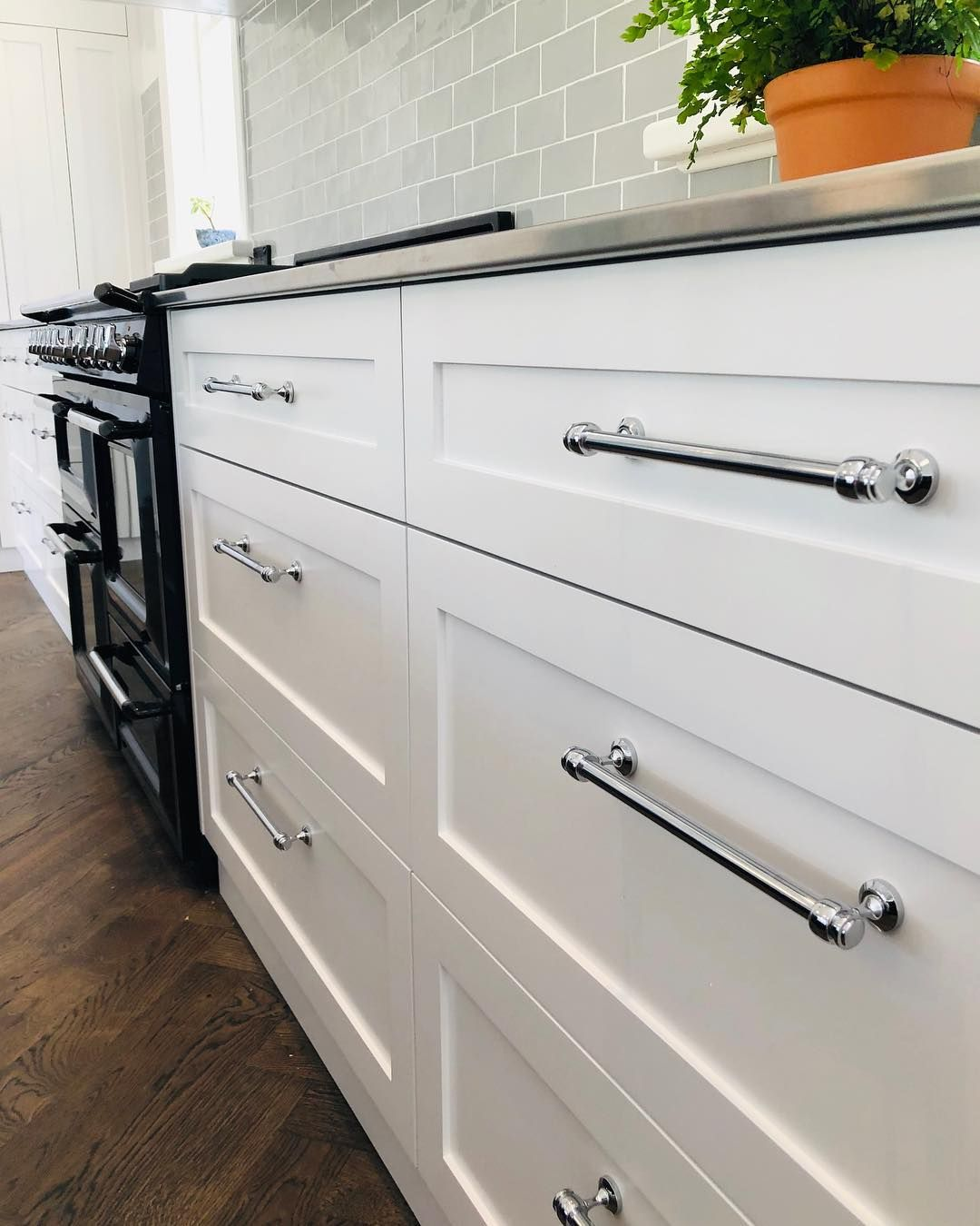 New Mayfair Kitchen Handles In Chrome On Display In This Stunning Kitchen Kitchen Handles Black Kitchen Handles Cabinet Handles
