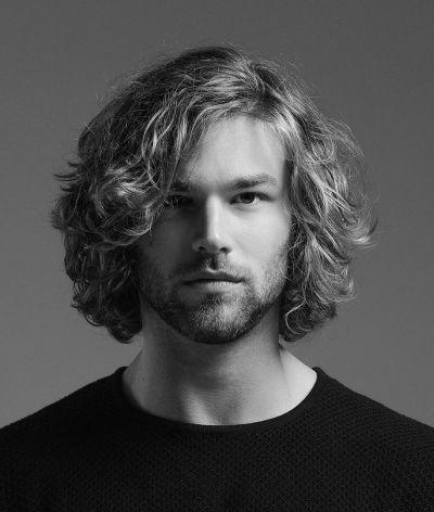 65 Striking Medium Length Hairstyles For Men The Ultimate List Be Trendsetter Mens Medium Length Hairstyles Mens Hairstyles Medium Medium Hair Styles
