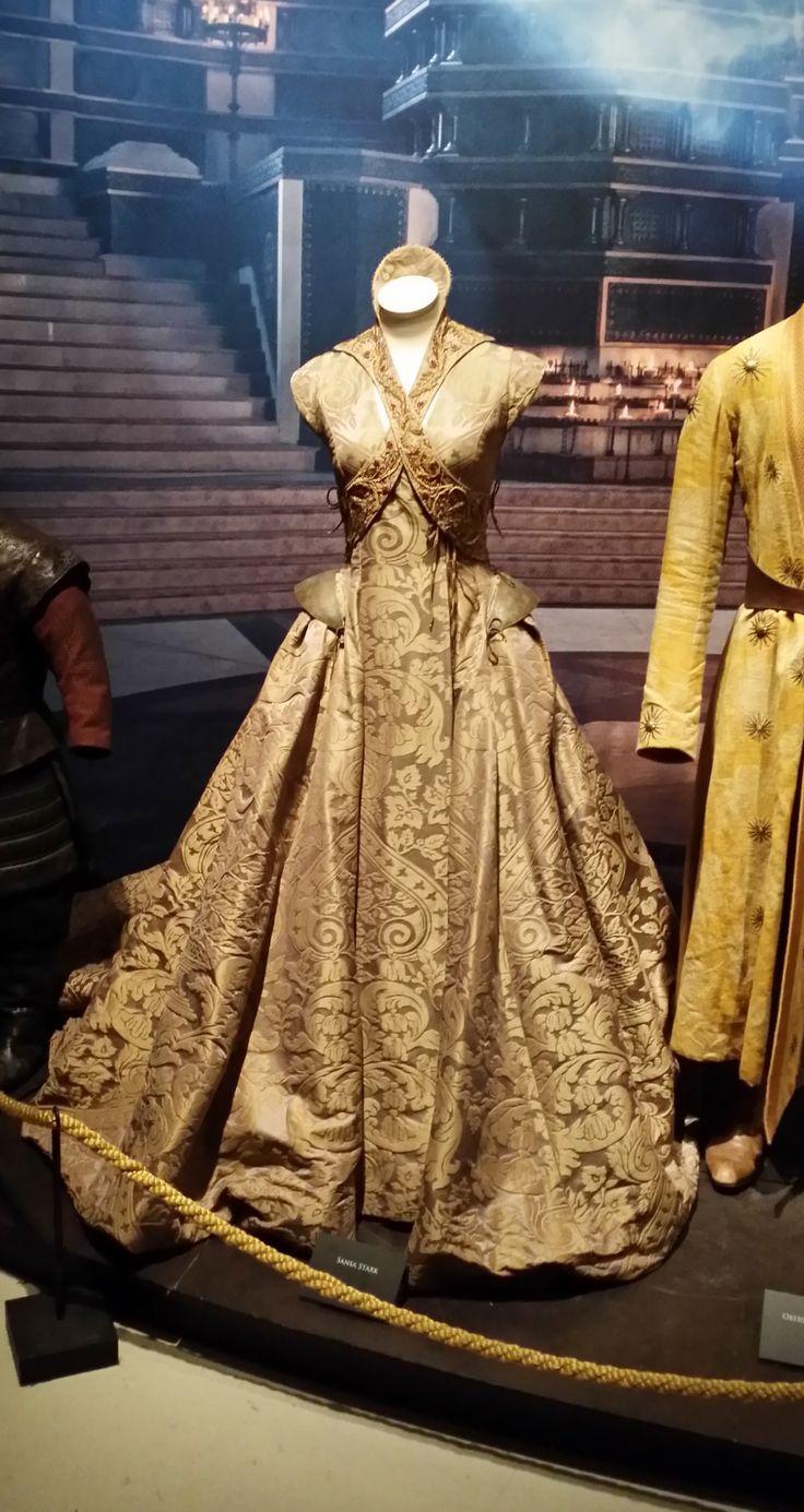 Sansa Starks Dress Game Of Thrones