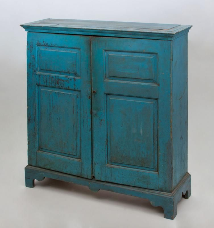 AMERICAN BLUE PAINTED TWO DOOR CUPBOARD   Price Estimate: $700   $900