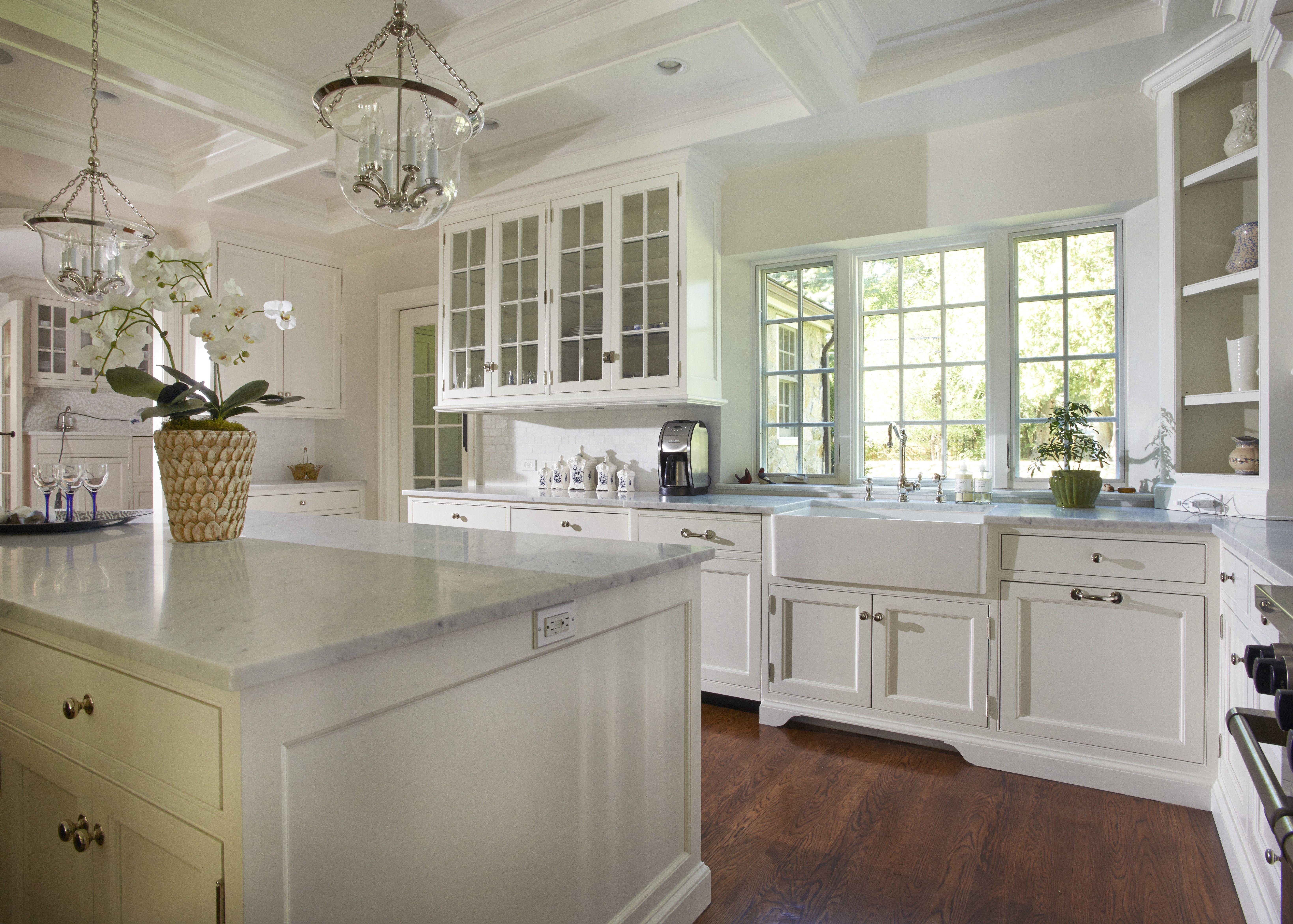 Love Everything About This Kitchen Window Behind Sink Mive Island White