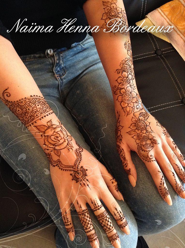 henne fleurs rose mains bras tatouage au henné naturel sur bordeaux